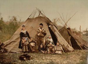 1024px-Saami_Family_1900